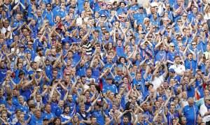 Iceland crowd