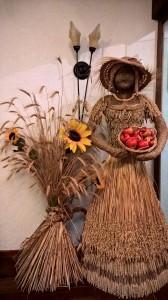 grain-lady-3