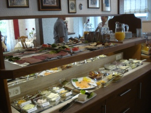 Breakfast Buffet & Hotel Cebulj